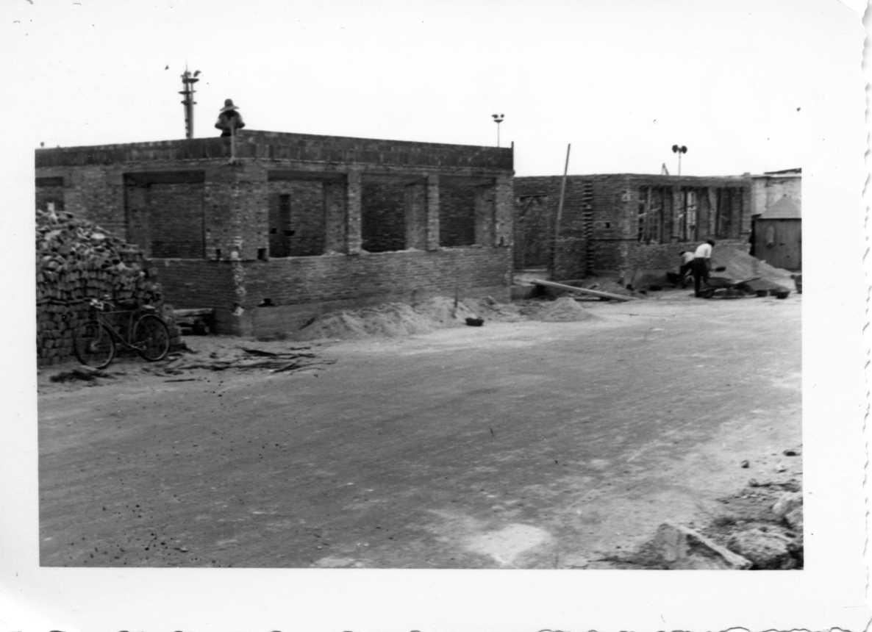 1955 Instituto en construcción